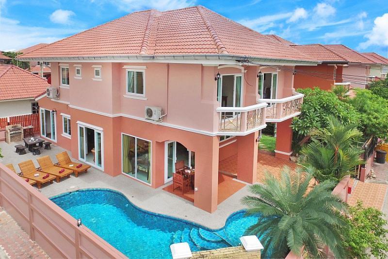 Pool Villas 8-10 Persons