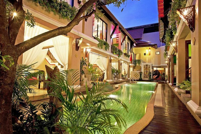 Villas 20 or more Persons